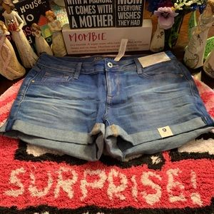 🦋 Arizona Women's Jean Shorts NWT Size 9 🦋